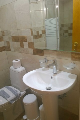 stratos apartments and studios bathroom