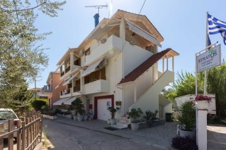 stratos apartments and studios in lefkada
