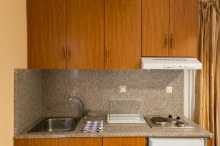 stratos apartments and studios kitchenette